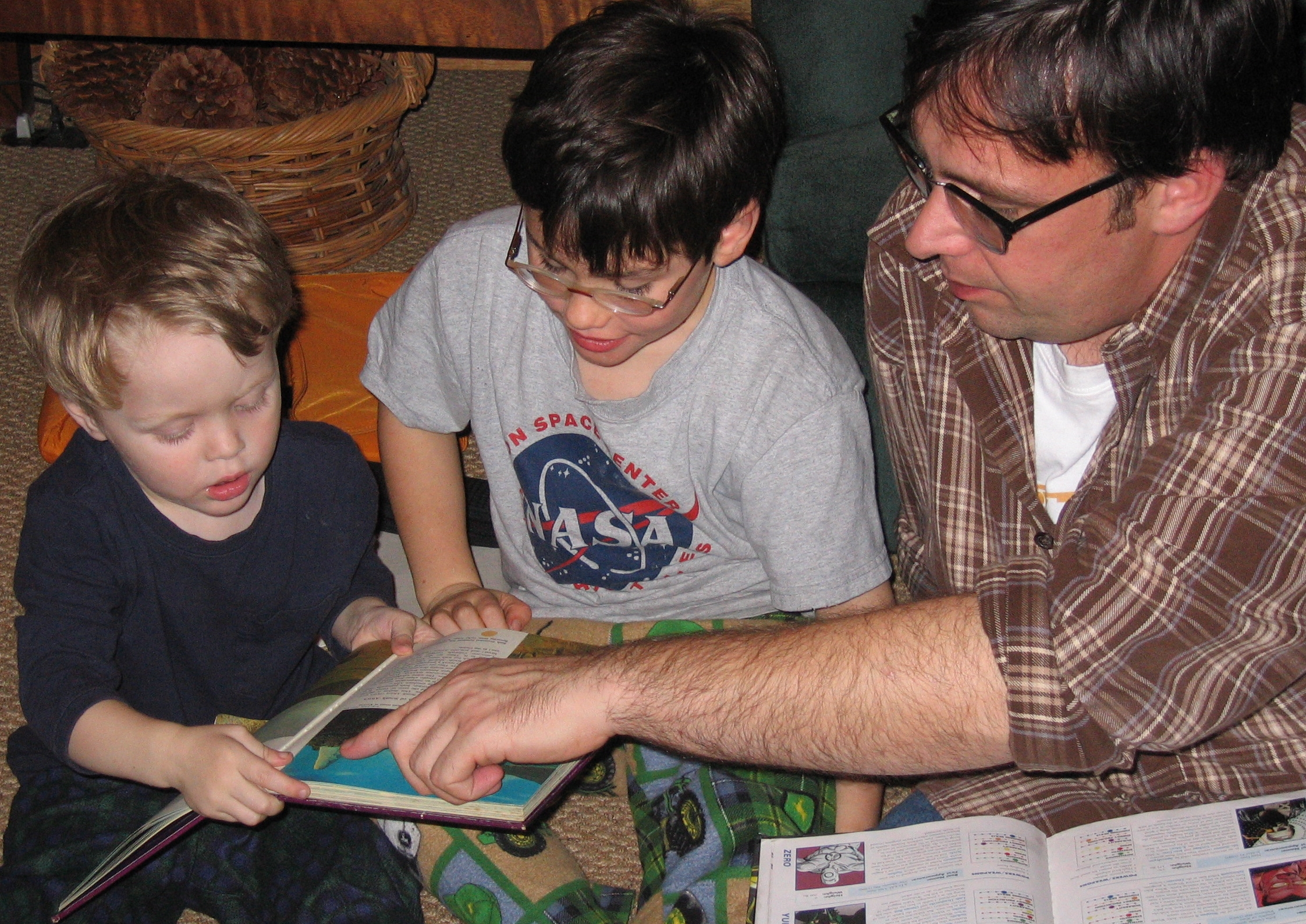Family_Reading_Hour